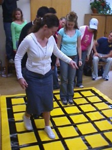 Team initiative activities team craft for Group craft ideas for adults